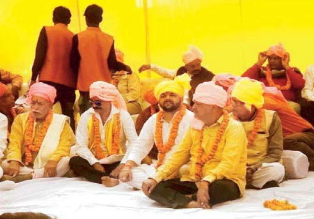 राम मंदिर पर फैसले के बाद 105 गांव के परिवार 500 साल बाद पहनेंगे पगड़ी और जूते