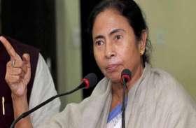 ममता बनर्जी ने AIMIM चीफ ओवैसी पर साधा निशाना, लोगों से की अल्पसंख्यक कट्टरता से दूर रहने की अपील
