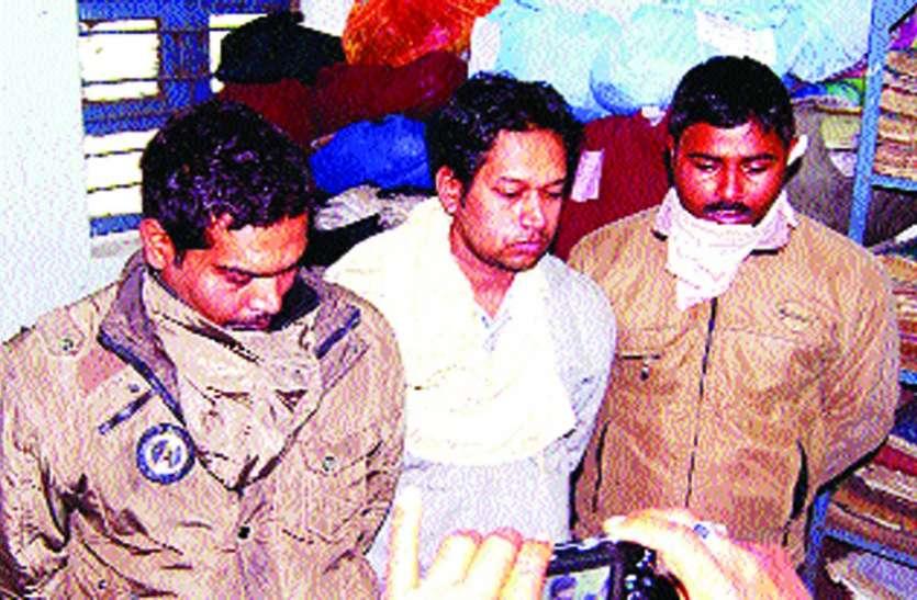 छात्रा से गैंगरेप करने वाले एक डॉक्टर व दो आरक्षकों को मिली मृत्यु तक आजीवन कारावास की सजा