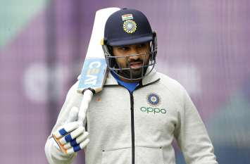 Video: ऐतिहासिक टेस्ट मैच से पहले रोहित को लगी चोट, दर्द से कहराते हुए देखा गया