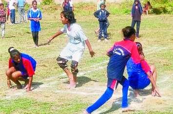 बांसवाड़ा : बालिकाओं की खेलकूद प्रतियोगिता के लिए संभाग के हर जिले से जुटा रहे 3500 रुपए, खड़े हुए सवाल