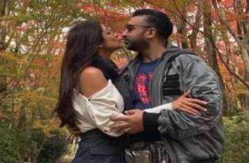 शिल्पा शेट्टी का पति राज कुंद्रा को Kiss करते हुए वीडियो हुआ वायरल, देख के रह जाएंगे दंग