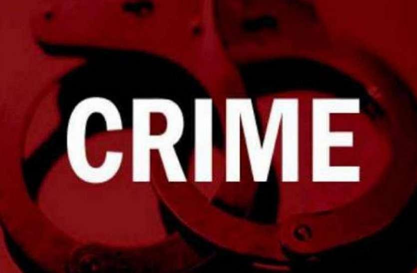 Ahmedabad News पुलिसकर्मी व तीन होमगार्ड पर सेल्समैन से 25 हजार रुपए ऐंठने का आरोप