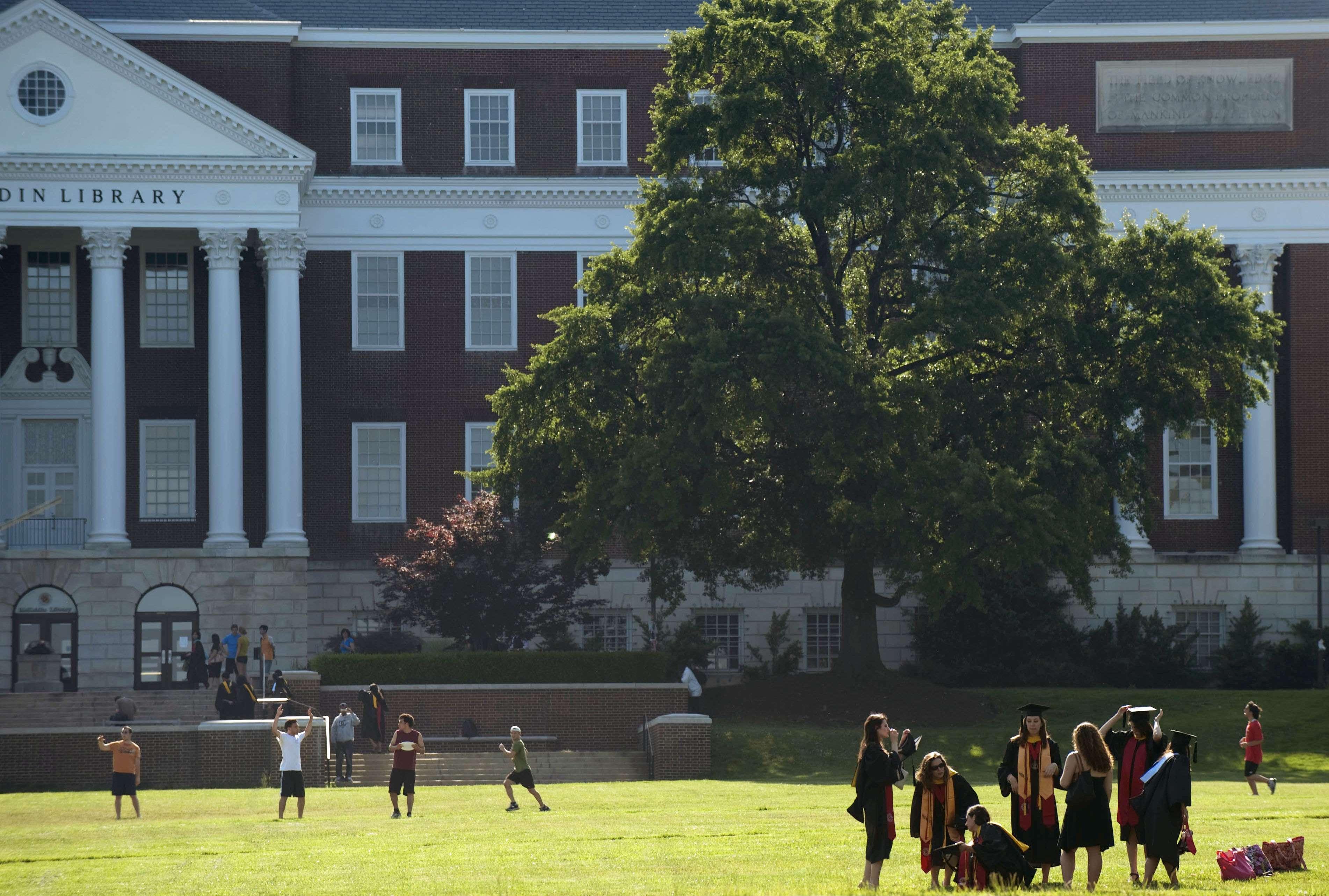 इस संस्थान में एक साथ 9 विश्विधायालयों की डिग्री कर सकते हैं आप