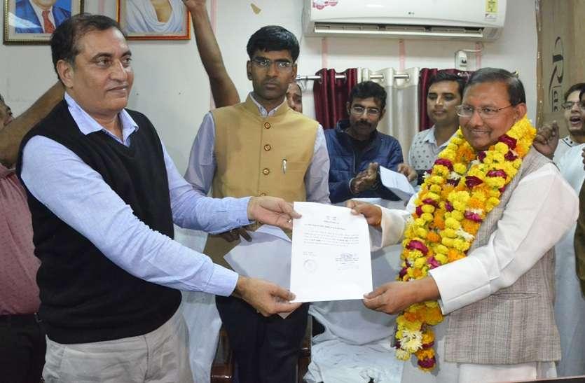 25 साल में पहली बार कांग्रेस का लोहागढ़, अभिजीत कुमार बने मेयर