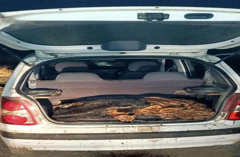 कार की डिक्की खोली तो पुलिस रह गई दंग....