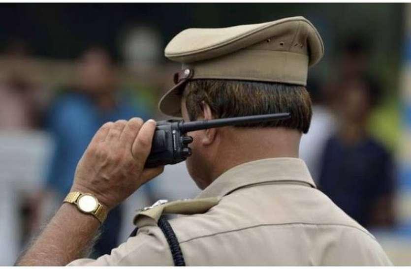 लड़ाई-झगड़ों से निपटने के लिए चाहिए पुलिस के जवानtr
