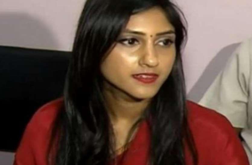 UP Top News : अदिति सिंह की विधायकी खत्म करने को कांग्रेस ने दिया नोटिस, खनन घोटाले में फंसे एक और IAS