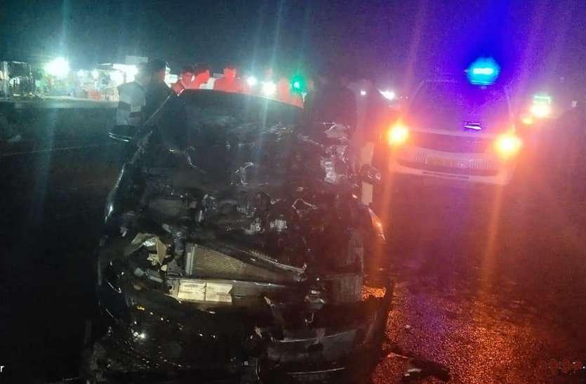 भयानक हादसा: कार के चिथड़े-चिथड़े उड़े, फिर भी कार चालक को खरौंच तक नहीं आई
