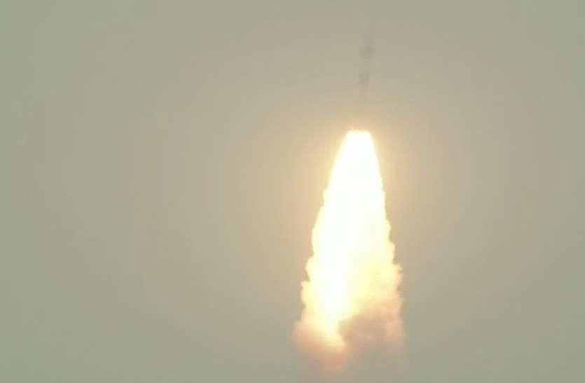 बड़ी कामयाबी, इसरो ने कार्टोसैट-3 सहित 14 उपग्रहों का किया सफल प्रक्षेपण