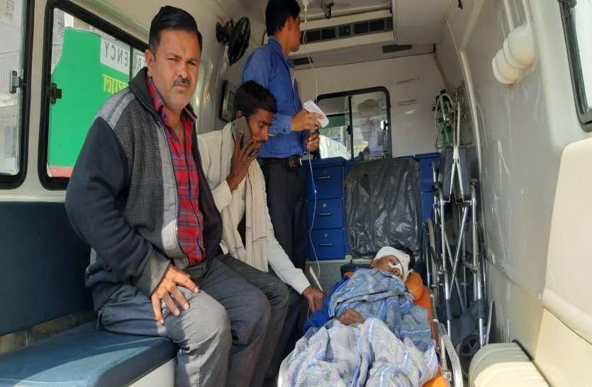 महोबा रोड पर भारी वाहनों से एक दिन में दो दुर्घटनाएं, दो घायल, एक रेफर