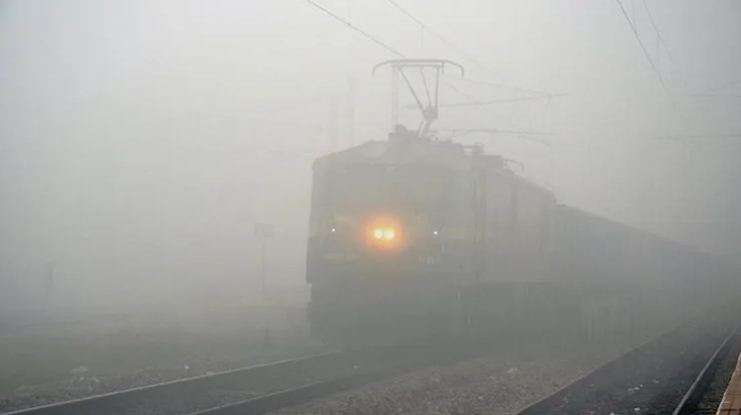 indian_railway2fog.jpg