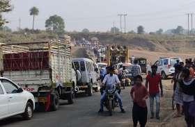 पुल पर हादसा, ट्रक की चपेट में आने से महिला की मौत
