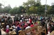 WATCH : हैदराबाद डॉक्टर रेप मर्डर केस : उदयपुर में भी गुस्सा, सड़क पर प्रदर्शन, नारेबाजी