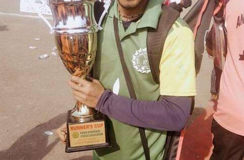 लेग स्पिन गेंदबाजी में दिव्यांग खिलाड़ी जितेंद्र वाघ ने प्रदेश टीम में बनाया स्थान