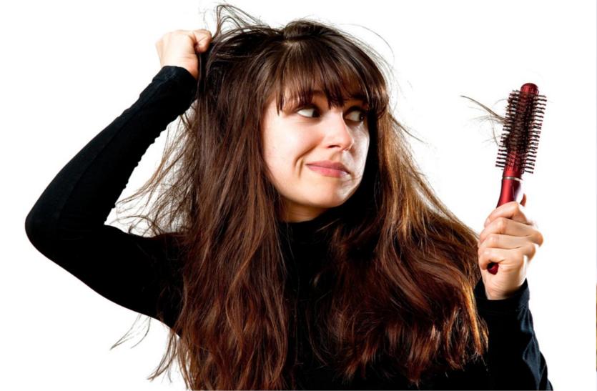 अगर झड़ रहे हैं बाल तो करें उपाय, तुरंत होगा फायदा