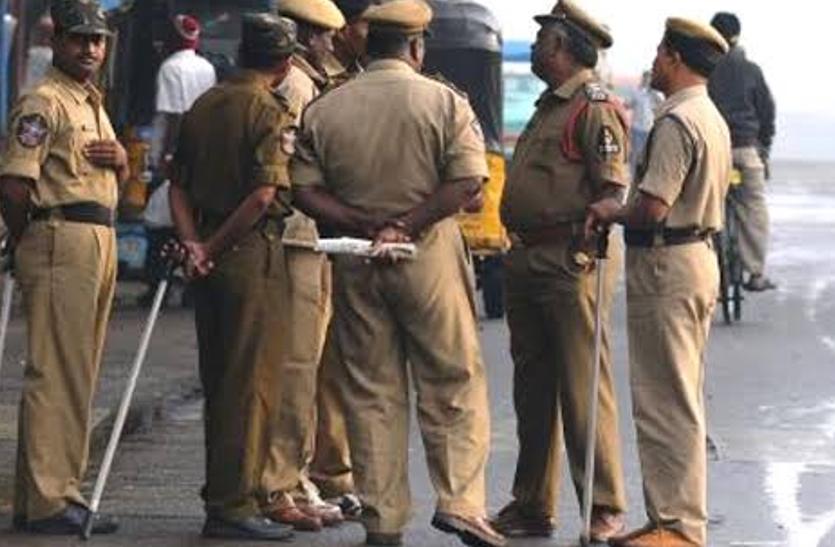 हैदराबाद: सुरक्षा की जगह महिलाओं को एडवाइजरी दे रही पुलिस, सरकार चलाएगी जागरूकता अभियान