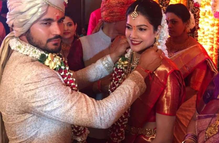 टीम इंडिया के ये स्टार खिलाड़ी भी बंध गया शादी के बंधन में, इस एक्ट्रेस के साथ लिए फेरे