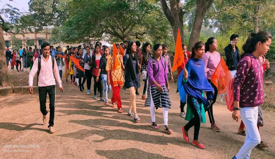 हैदराबाद गैंगरेप-मर्डर के खिलाफ युवाओं में गुस्सा, महिला सुरक्षा को लेकर निकाली आक्रोश रैली, सरकार से ये कहा