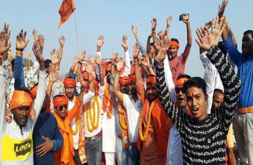 पीएम नरेन्द्र मोदी को उनके गढ़ में घेरने में जुटी शिवसेना, बढ़ा रही अपनी ताकत
