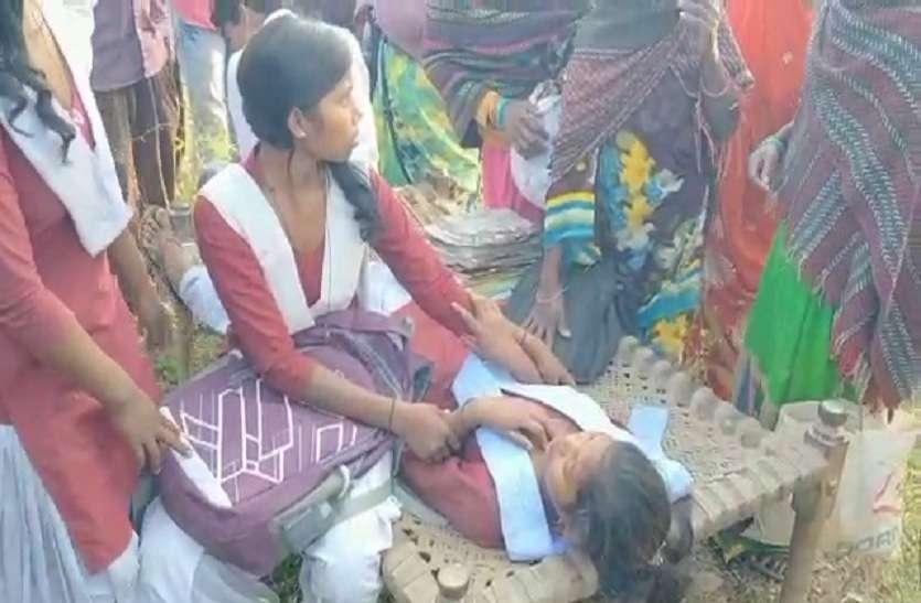 स्कूली बच्चों से भरी ऑटो पलटी, 5 छात्र घायल, दो की हालत गंभीर