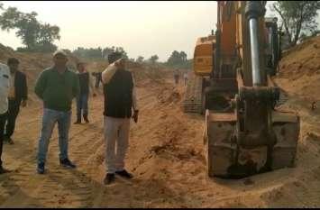 रेत खदान पर एसडीएम की दबिश, जब्त किए आधा दर्जन वाहन