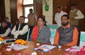 अलवर नगर परिषद की पहली बैठक में पार्षद अजय पूनिया ने सभापति बीना गुप्ता को दे डाली यह नसीहत, जानिए पहली बैठक में क्या हुआ