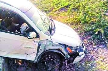 कार व बोलेरो की टक्कर में पूर्व डीजीपी सांगाराम जांगिड़ समेत 3 चोटिल