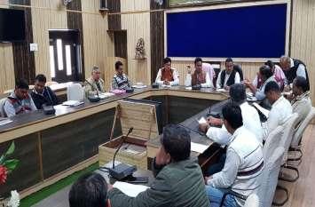 पंचायत की बैठक में बोले विधायक आक्या, किसानों को मिले पर्याप्त बिजली-पानी