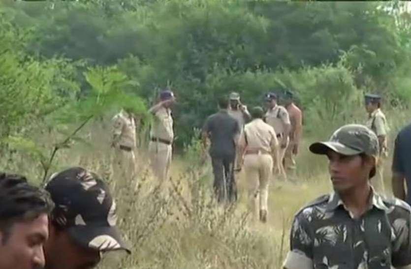 हैदराबाद एनकाउंटरः पुलिसकर्मियों के खिलाफ हो एफआईआर, वकीलों ने लगाई चीफ जस्टिस से गुहार