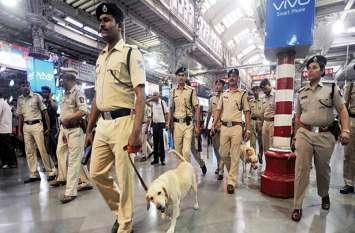 राम भरोसे मुंबई रेलवे की महिला यात्रियों की सुरक्षा