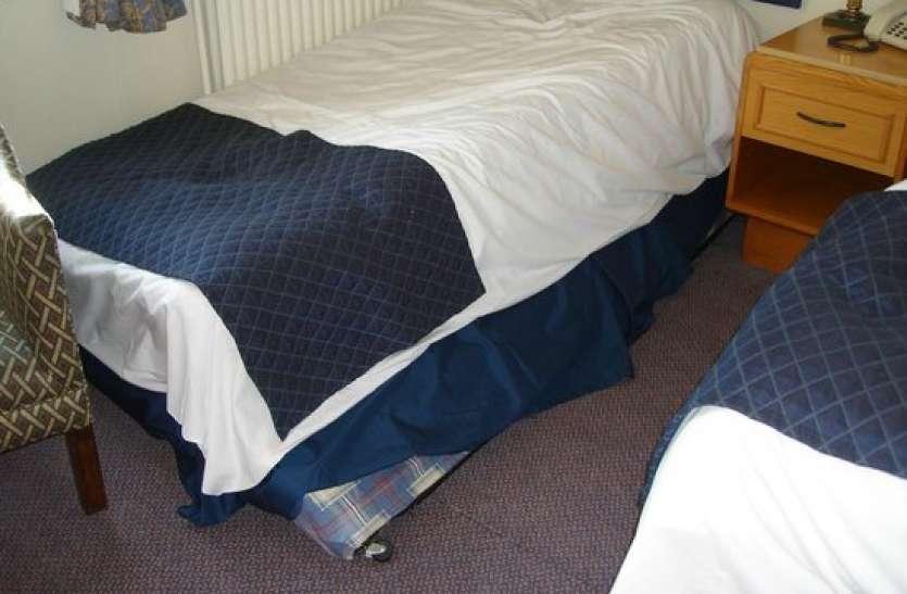 घर में भूलकर भी ना रखें टूटा बेड, वरना झेलना पड़ेगा भारी नुकसान