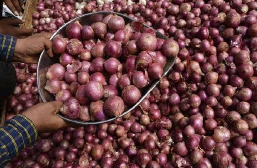 200 रुपए किलो पहुंचे प्याज के दाम, जनवरी से पहले कीमतों में कमी के आसार नही