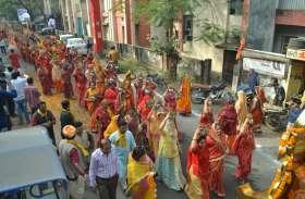 2 किमी लंबी कलश यात्रा में शामिल हुए 4 हजार से अधिक महिला-पुरुष