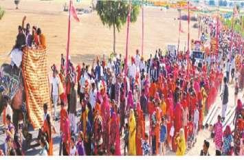 बाबा रामदेव अवतार धाम रामदेरिया में मंदिर शिखर कलश के लिए लगी 1 करोड़ 21 लाख की बोली