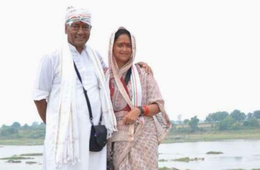 हैदराबाद की घटना में खामोश रहे दिग्विजय, पत्नी अमृता बोलीं- इस भीड़तंत्र में मैं भी सुरक्षित नहीं
