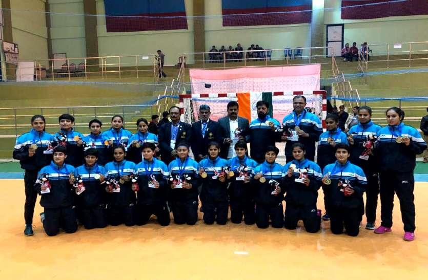 भारतीय महिला हैण्डबाॅल टीम ने जीता स्वर्ण पदक, पुरुष टीम को रजत पदक