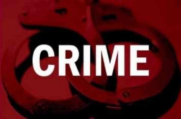 आरोप: पुलिस ने पीड़ित को आरोपी बनाकर हवालात में डाला