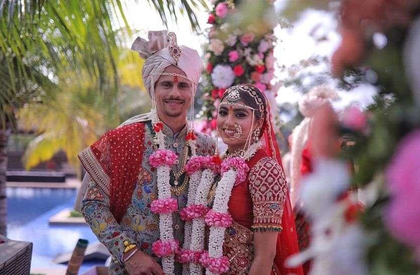 नौ साल की रिलेशनशिप के बाद सिद्धेश लाड ने हीरल खत्री से की शादी, केकेआर ने दी बधाई