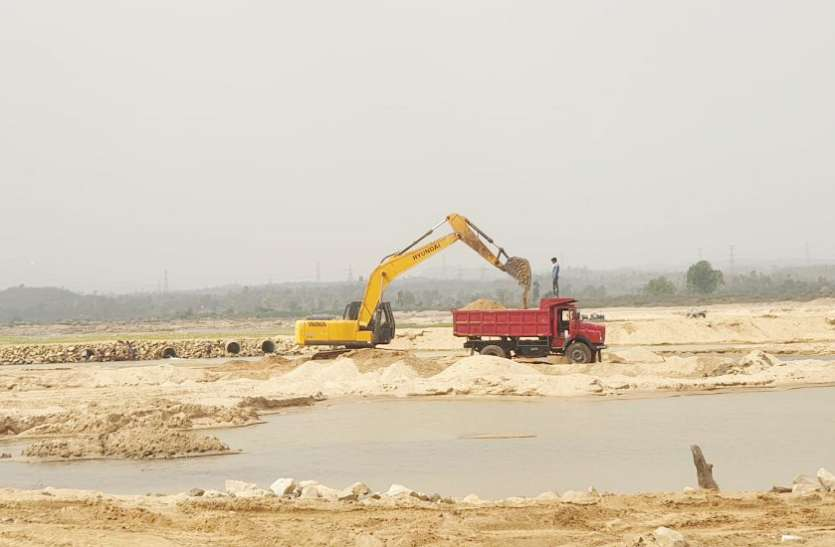 जिले की 58 रेत खदानों का 36 करोड़ में हुआ ठेका