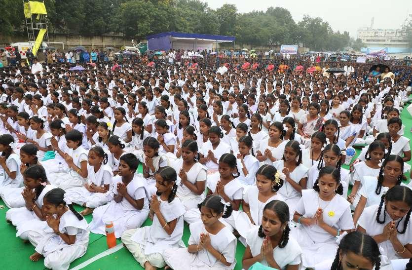 Tamilnadu स्कूल में मनाई गीता जयंती