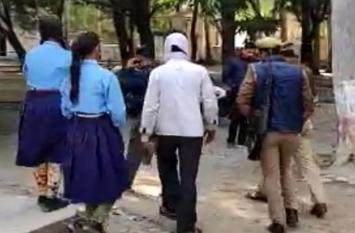 हरदोई में पुलिस हिरासत से छूटे आरोपी ने पीड़िता के घर में लगाई आग, डर से छोड़ा स्कूल