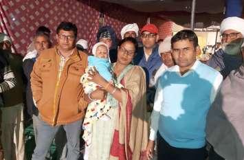 नवजात बच्चे को गोद में लेकर किसानों को समर्थन देने पहुंची महिला विधायक, नहरी पानी की मांग को लेकर किसानों का पड़ाव दूसरे दिन जारी