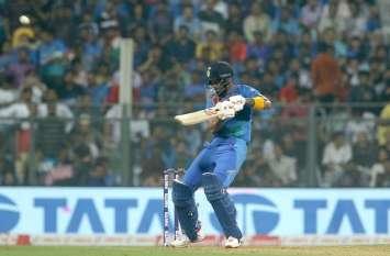 IND vs WI : बल्लेबाजों के बाद गेंदबाज भी चले, बड़ी जीत के साथ भारत ने किया सीरीज पर कब्जा