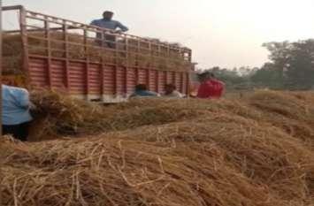अमेठी डीएम की इस अनोखी पहल से किसानों के चेहरे खिलखिलाए