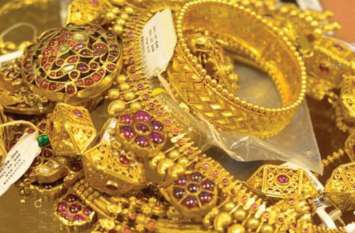 सोने के दाम में दिखी 70 रुपए की कमजोरी, चांदी 230 रुपए टूटी