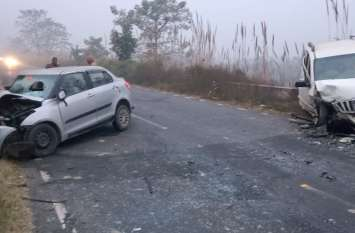 Ghaziabad: कोहरे में आमने-सामने भिड़ीं दो गाड़ियां, देवर-भाभी की मौत