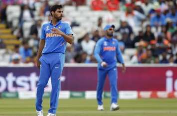 धवन के बाद भुवनेश्वर भी वनडे सीरीज से बाहर, इस तेज गेंदबाज ने ली टीम में उनकी जगह