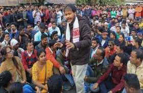 CCA: गिरफ्तारी के 5 दिन बाद अखिल गोगोई को NIA ले आई दिल्ली, असम में हिंसा भड़काने का है आरोप