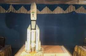 PICs : चंद्रयान-2 से चर्च और कथक से कन्हैया तक...देखो भी, खाओ भी